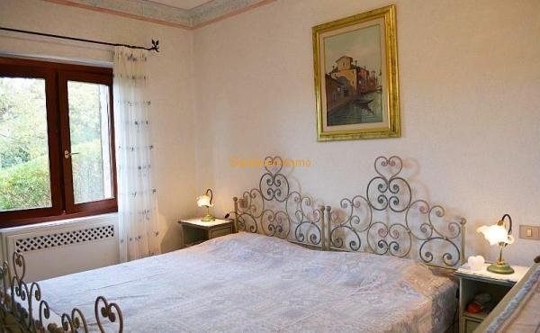In.bedroom2